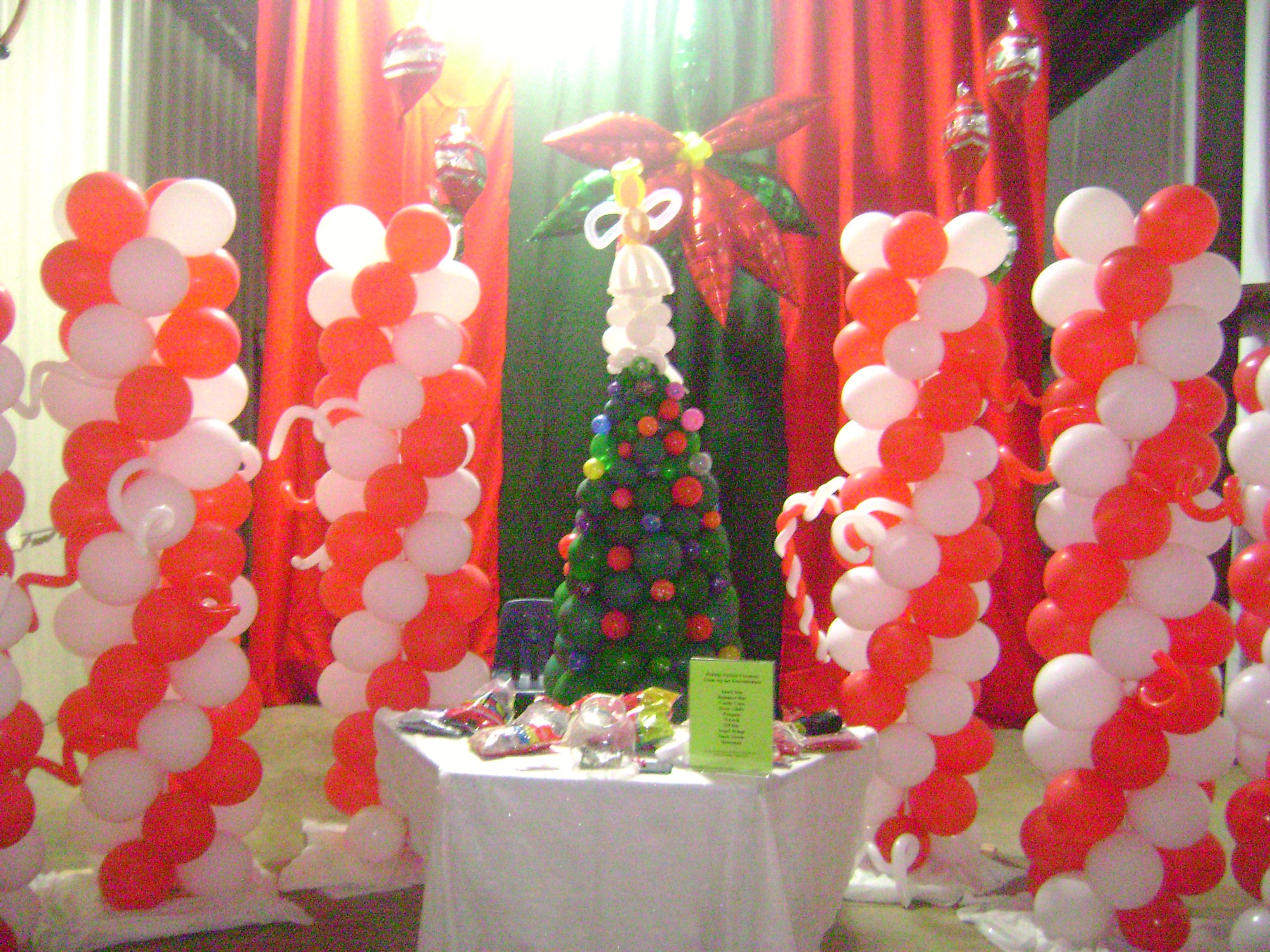 Greenville Christmas balloons balloon twister balloon decorator